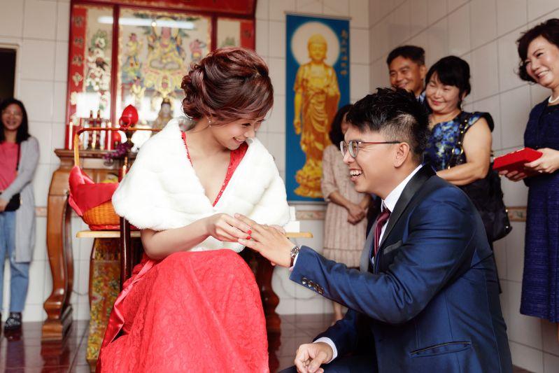 訂婚儀式交換戒指