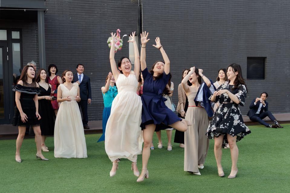 婚攝,接捧花,婚攝作品,格萊天漾婚攝, 台北婚攝, 婚攝森森, 格萊天漾飯店, 高雄婚攝, 格萊天漾婚禮紀錄