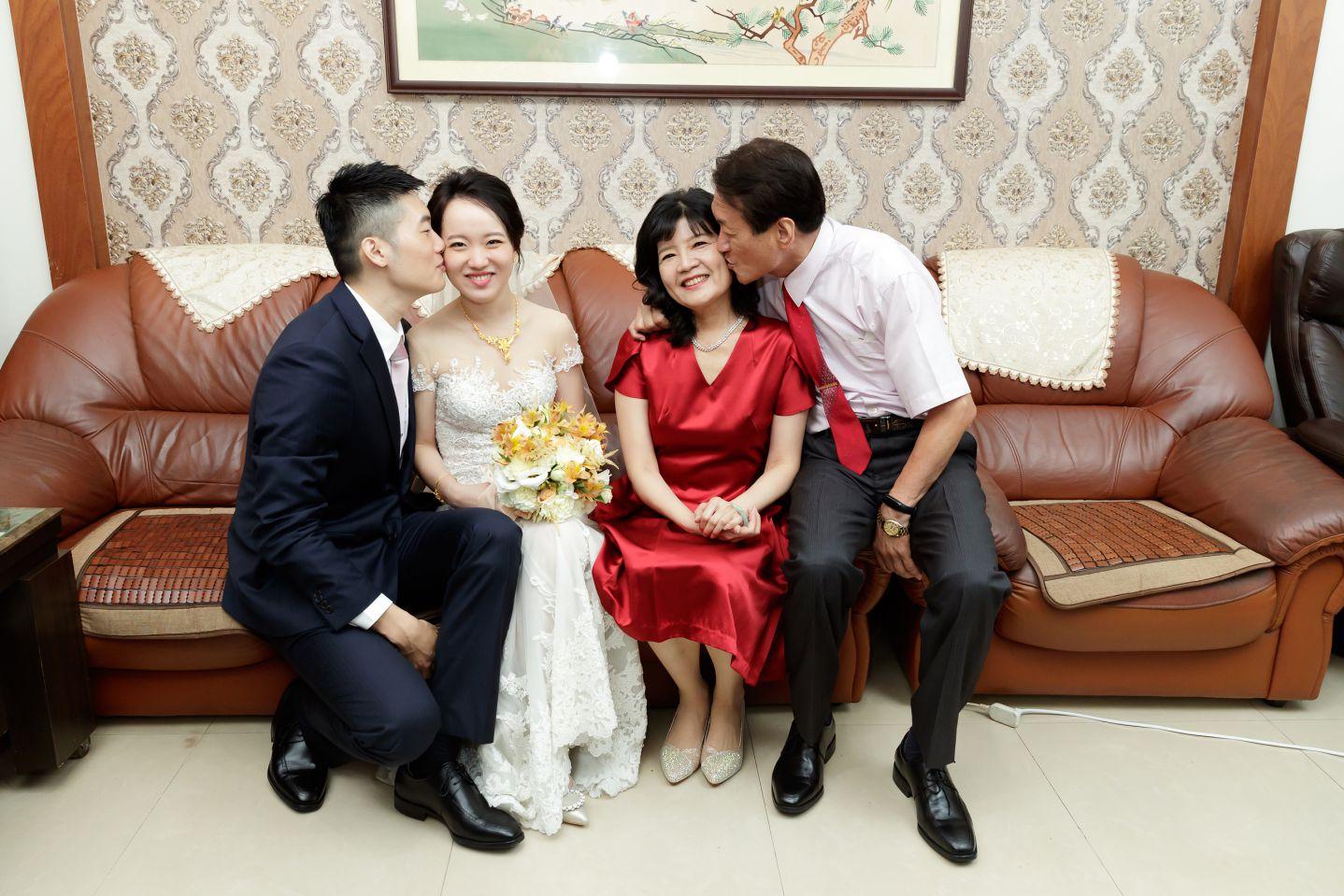 合照姿勢引導-夫妻情侶一起接吻