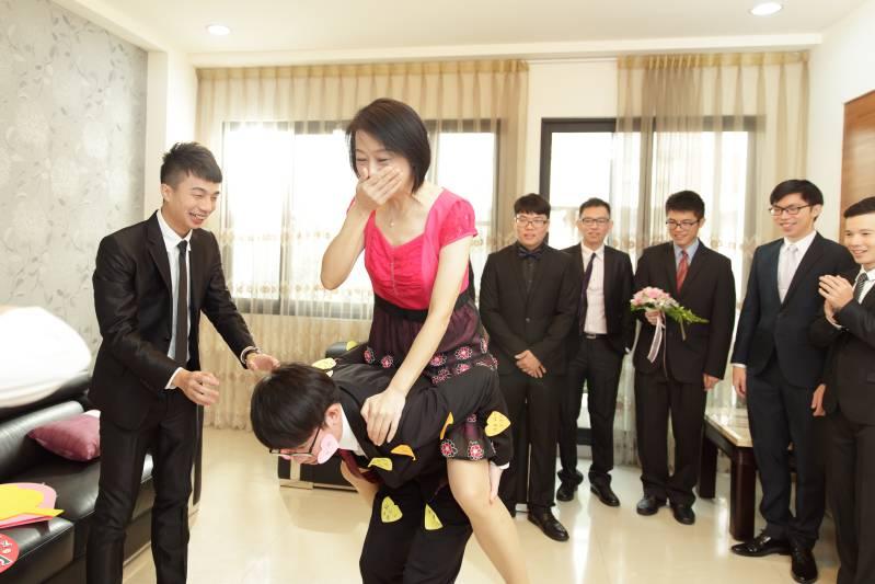 婚禮闖關懲罰-公主抱-揹人_02