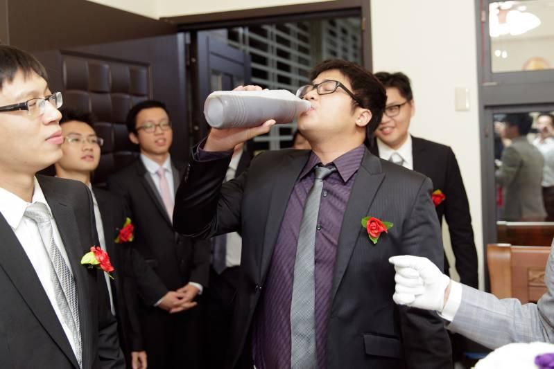 婚禮闖關懲罰-喝飲料-苦茶