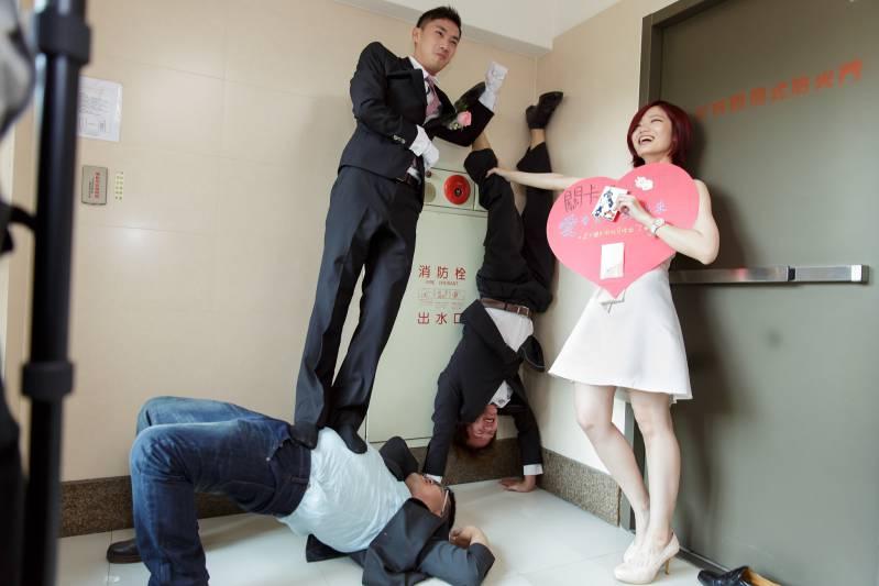 婚禮闖關懲罰-搞笑合照