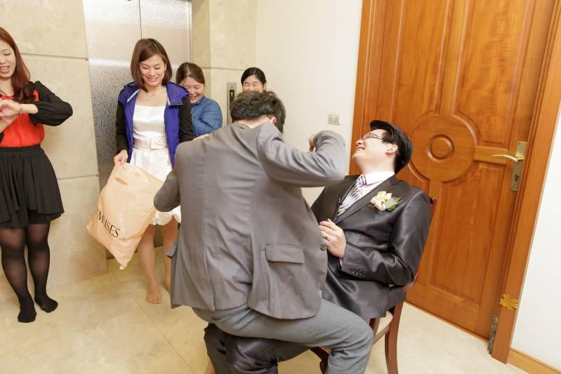 婚禮闖關遊戲-擠爆氣球_03
