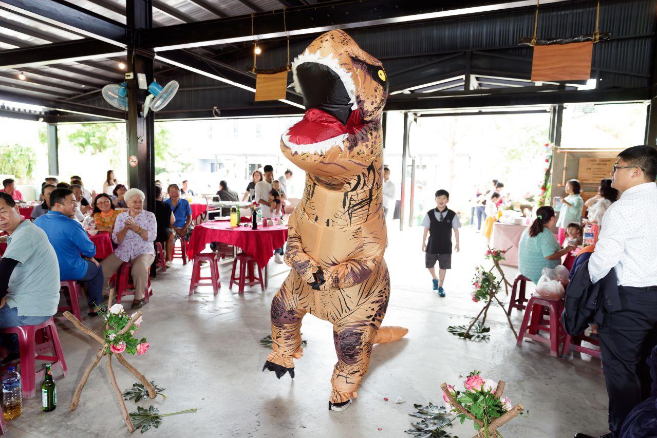 高雄婚攝,小琉球婚禮攝影,恐龍進場