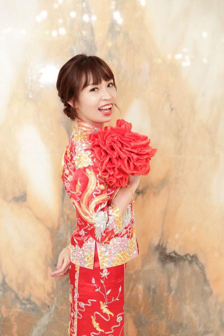 [婚攝]宴民&阿秀,中式龍鳳褂與中山裝訂婚紀錄@吉利餐廳