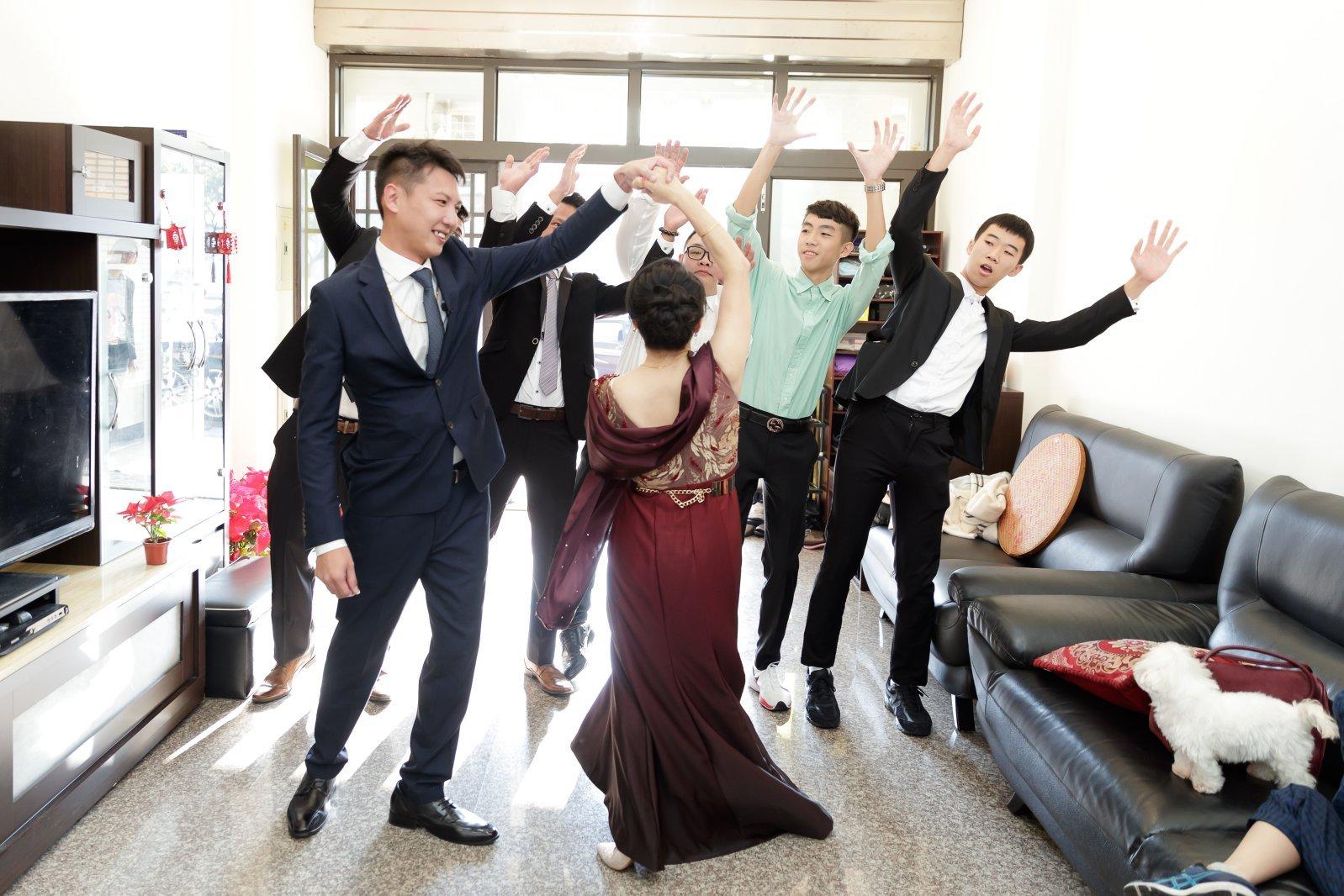 婚禮闖關遊戲,闖關跳舞