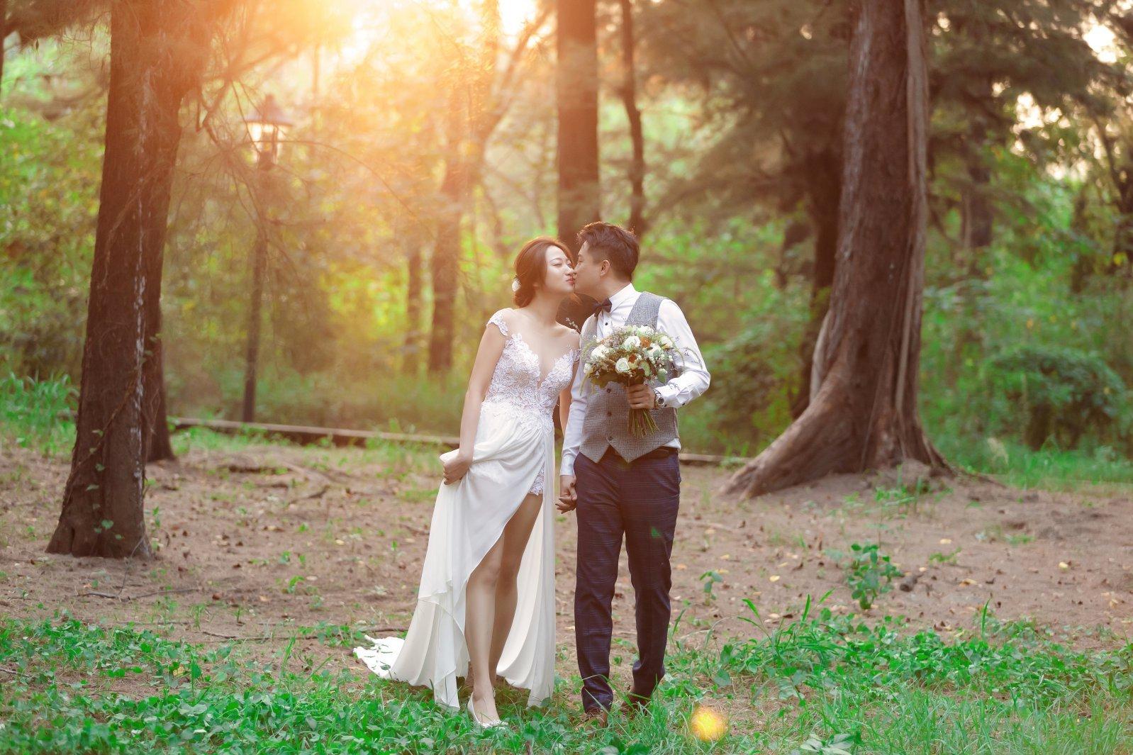 逆光婚紗照,森林系婚紗照,婚紗攝影,高雄婚紗工作室